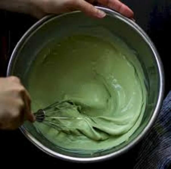Cách trộn men và tạo màu cho bánh bò