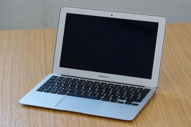 MacBook đột ngột tắt