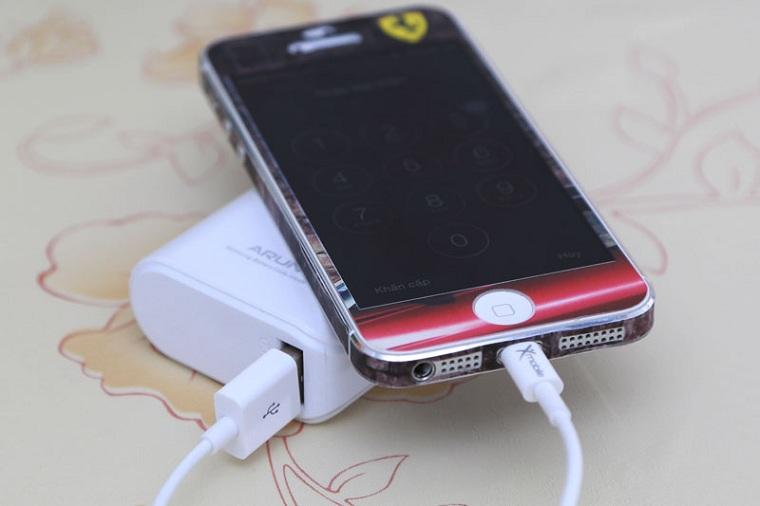 Nếu bạn sạc pin khi đang sử dụng, pin của bạn sẽ