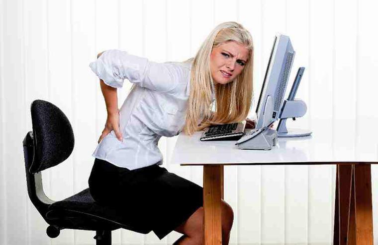 Không phải bây giờ, nhưng bạn có thể bị đau lưng và cổ trong vài năm nữa ... nếu bạn tiếp tục sử dụng máy tính xách tay sai tư thế.